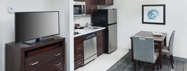 Homewood Suites by Hilton is one of Hotels Close to Good Running Routes.