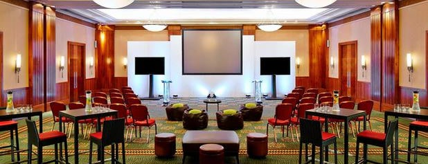 London Marriott Hotel Canary Wharf is one of Orte, die thewandering1 gefallen.