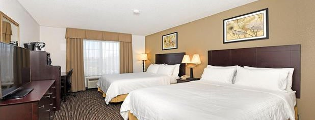Holiday Inn Express & Suites Chicago-Deerfield/Lincolnshire is one of สถานที่ที่ Sunjay ถูกใจ.