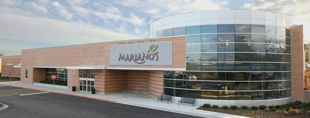 Mariano's Orland Park is one of Posti che sono piaciuti a Elena Jacobs.