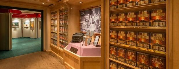 L. Ron Hubbard Life Exhibition is one of Posti che sono piaciuti a Josie.