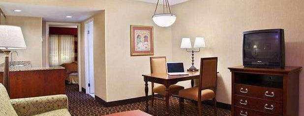 Embassy Suites by Hilton Atlanta Airport is one of Lugares favoritos de Phillip.