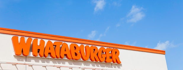 Whataburger is one of Locais curtidos por Andres.