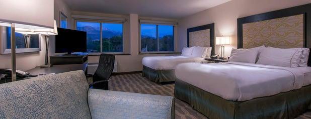 Holiday Inn Express & Suites Colorado Springs Central is one of Lugares favoritos de Kyle.