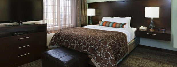 Staybridge Suites Springfield-South is one of Tempat yang Disukai Mark.