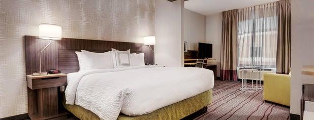 Fairfield Inn & Suites by Marriott Chicago Schaumburg is one of Locais curtidos por Mike.
