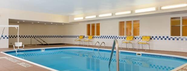Fairfield Inn & Suites Minneapolis St. Paul/Roseville is one of Tempat yang Disukai Matt.