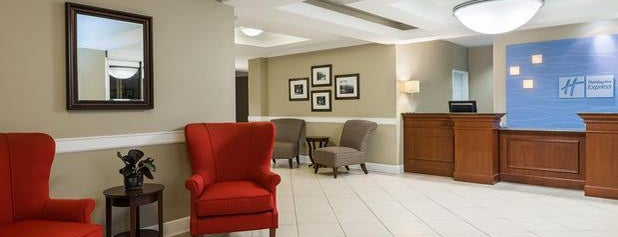 Holiday Inn Express & Suites New Iberia-Avery Island is one of Posti che sono piaciuti a Cathy.