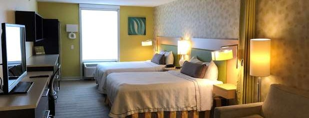 Home2 Suites by Hilton is one of Locais curtidos por Leslie.