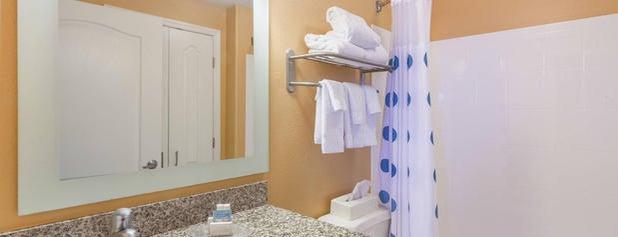TownePlace Suites Huntsville is one of Orte, die Holly gefallen.