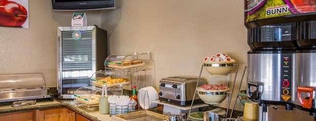 Quality Inn Santa Cruz is one of Posti che sono piaciuti a Alberto J S.
