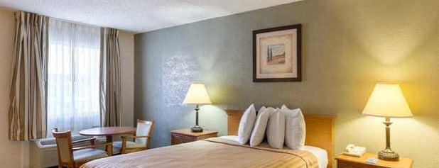 Quality Inn & Suites is one of Orte, die Назар gefallen.