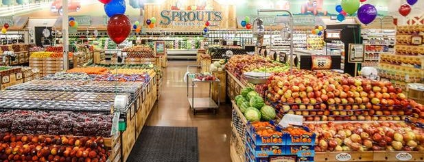 Sprouts Farmers Market is one of Posti che sono piaciuti a Christina.