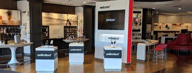 Verizon is one of สถานที่ที่ David ถูกใจ.