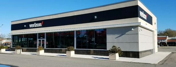 Verizon is one of Lugares favoritos de Dawn.