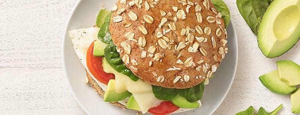 Panera Bread is one of สถานที่ที่ Mii ถูกใจ.