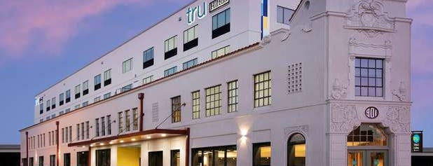 Tru by Hilton San Antonio Downtown Riverwalk is one of Orte, die Mirko gefallen.