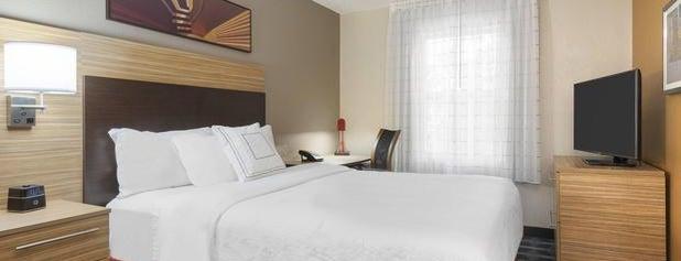 TownePlace Suites by Marriott Savannah Midtown is one of Tempat yang Disukai Merilee.