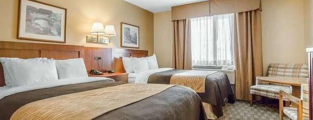 Comfort Inn & Suites is one of Roxy 님이 좋아한 장소.