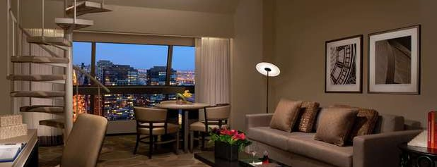 Millennium Hilton New York One UN Plaza is one of Tempat yang Disimpan JRA.
