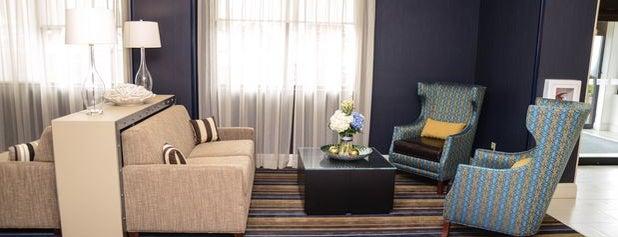 Holiday Inn Express & Suites Baltimore West - Catonsville is one of Orte, die Karen gefallen.