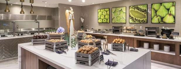 Homewood Suites by Hilton is one of Lugares favoritos de Cristy.