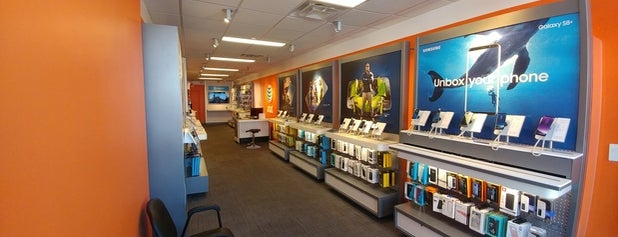 AT&T Store is one of Jason 님이 좋아한 장소.