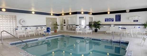 Comfort Suites is one of Lugares favoritos de Danara.