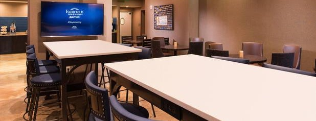 Fairfield Inn & Suites New Orleans Downtown/French Quarter Area is one of สถานที่ที่ Stephania ถูกใจ.