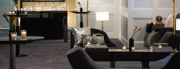 Renaissance Albany Hotel is one of Tempat yang Disukai Cynthia.