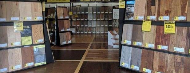 LL Flooring (Lumber Liquidators) is one of Posti che sono piaciuti a Christopher.