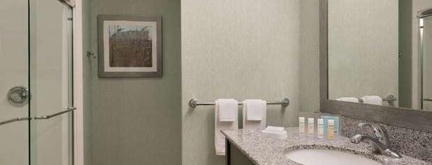 Hampton Inn & Suites is one of Lugares favoritos de Alberto J S.