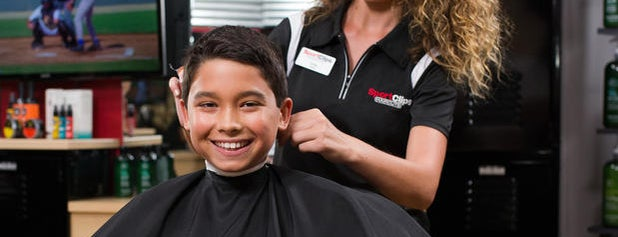 Sport Clips Haircuts of Deptford is one of Lugares favoritos de Jason.