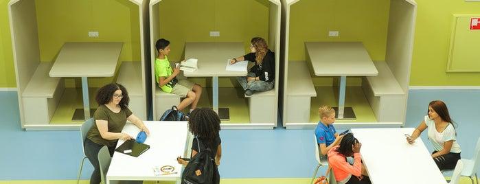 Cburg College is one of Alle middelbare scholen van Amsterdam.