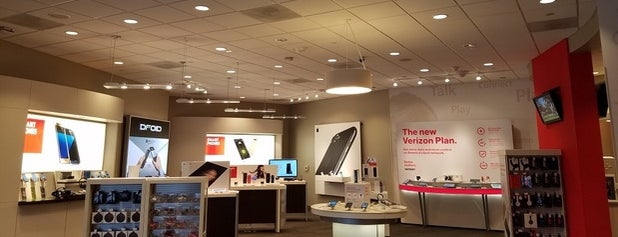 The 9 Best Electronics Stores in Phoenix