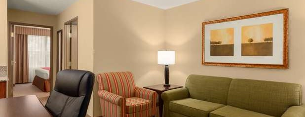 Country Inn & Suites By Radisson, Doswell (Kings Dominion), VA is one of Locais curtidos por Waleed.