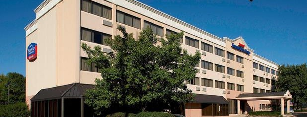 Fairfield Inn & Suites Parsippany is one of Hotels, Resorts & B&B.