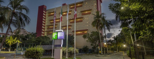 Holiday Inn Resort Ixtapa is one of Tempat yang Disukai Patty.