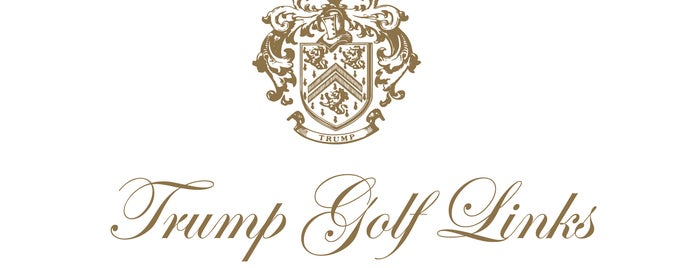 Trump Golf Links at Ferry Point is one of Posti salvati di Lizzie.
