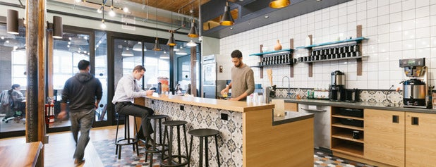 WeWork Richmond Street West is one of Posti che sono piaciuti a Ethan.