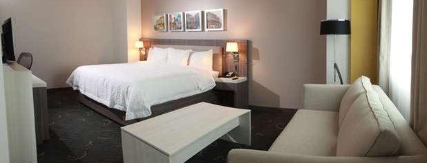 Hampton Inn by Hilton is one of Tempat yang Disukai Miguel.