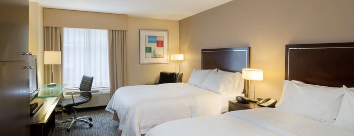 Hampton Inn by Hilton is one of Tempat yang Disukai Neil.