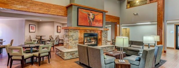 Holiday Inn Express & Suites Montrose is one of Tempat yang Disukai Tim.