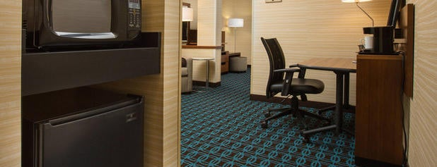 Fairfield Inn & Suites Columbus OSU is one of Posti che sono piaciuti a Marjorie.