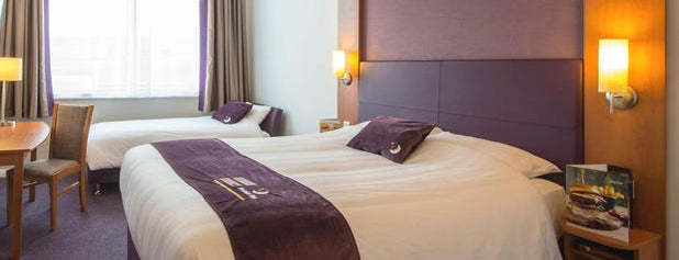 Premier Inn Warrington Central North is one of Carl'ın Beğendiği Mekanlar.