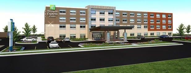 Holiday Inn Express & Suites Brunswick - Harpers Ferry Area is one of Tempat yang Disukai Jade.
