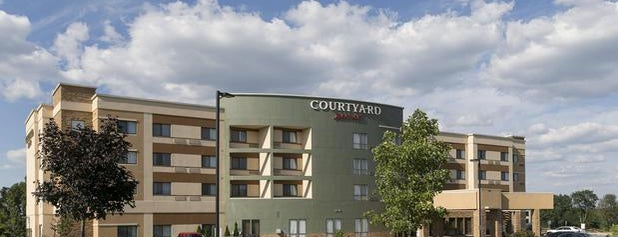 Courtyard Battle Creek is one of Lugares favoritos de Mike.