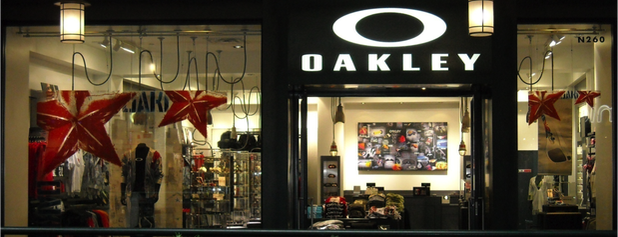 Oakley is one of Laurenさんのお気に入りスポット.