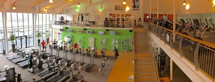 Amstelhof Sport & Health Club is one of Lugares favoritos de Miriam.