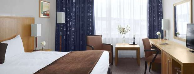 Radisson Blu Hotel Letterkenny is one of Tempat yang Disukai Christopher.